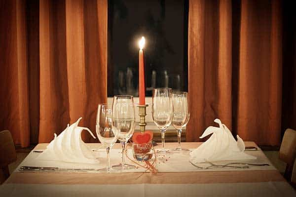 Kontaktanzeigen für ein Dinner zu Zweit, ein One Night Stand oder für eine neue langfristige Beziehung